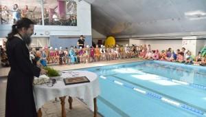 Αγιασμός στην πισίνα της Τούμπας (pics)