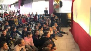 Ο Καραγκιόζης επισκέφθηκε μτην Ακαδημία Κολύμβησης Τούμπας!